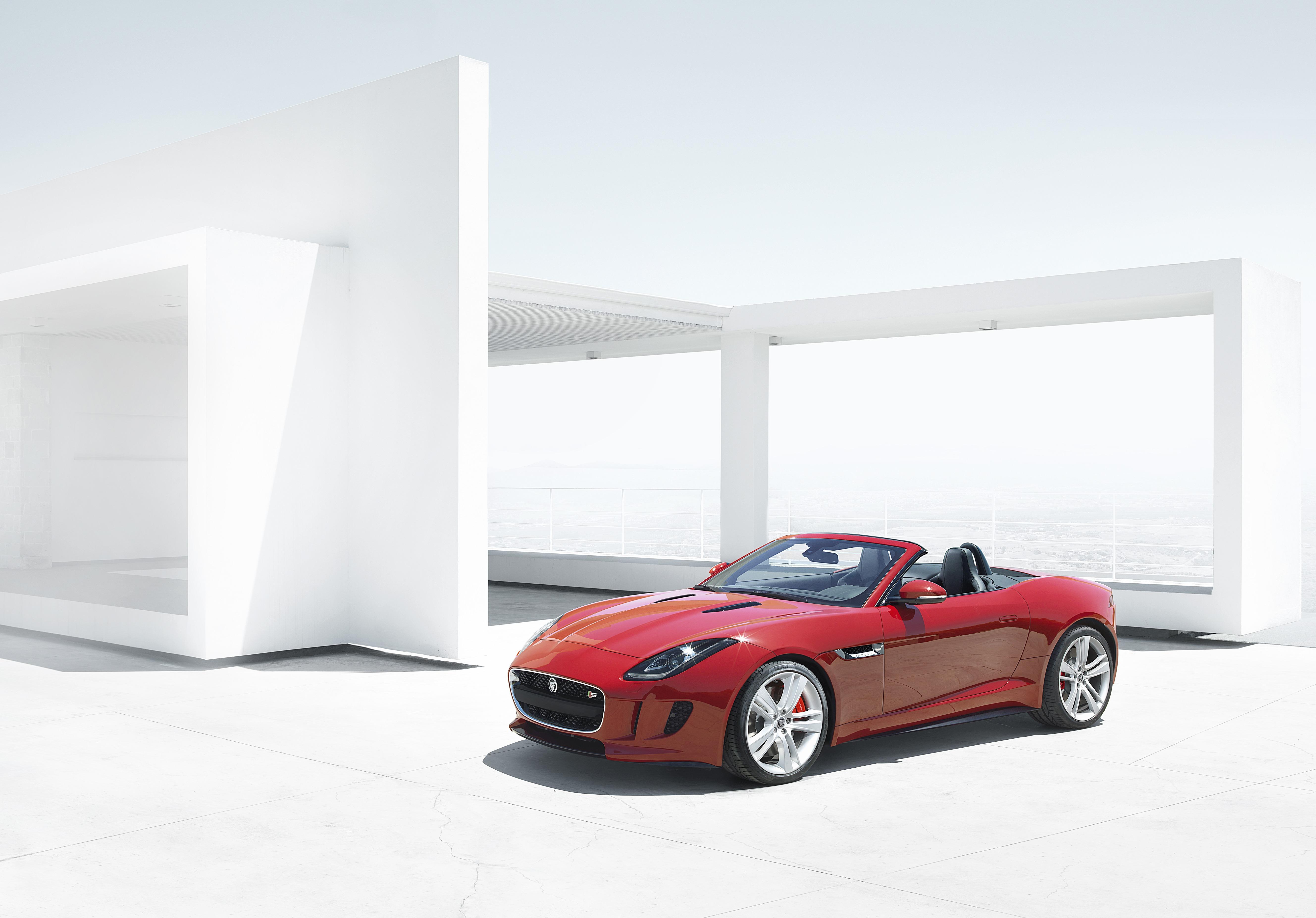 Mit dem F-Type bringt Jaguar frischen Wind ins Segment der kompakten Roadster